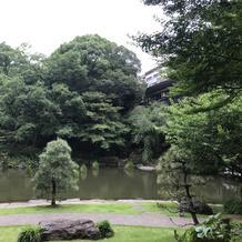 東郷神社に向かう庭園です
