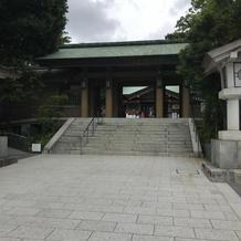 東郷神社を正面から