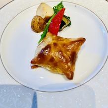洋食のメイン。ロッシーニのパイ包み