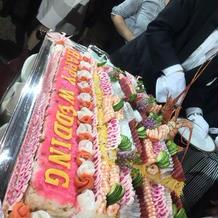ウエディングケーキはチラシ寿司。