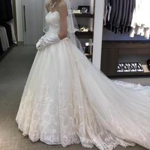 アンテリーベ 白ドレス