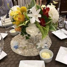 テーブルのお花きれいでした