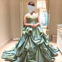 披露宴で着たカラードレス