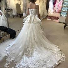 決定したドレス。後ろ姿。