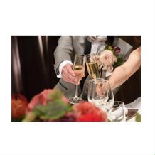 シャンパンにて乾杯
