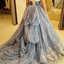 カラードレスで試着したドレスです