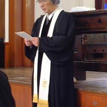 神父様(牧師様?)は日本人でした
