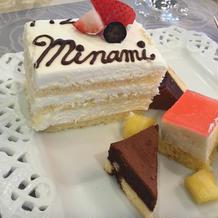 サプライズのケーキはアレンジ付!