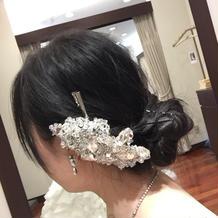 大きめの髪飾りキラキラで可愛かったです。