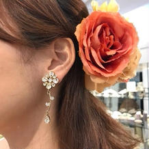 お花のイヤリングです。