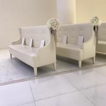 ゲストの椅子はソファー