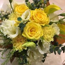 式場のビル1回にお花屋さんもあります。