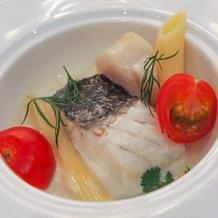 帆立貝の軽い煮込み 香草風味