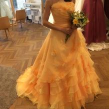 マンダリンオレンジのカラードレス