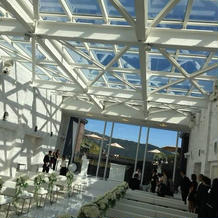 ガラス張りの天井はインパクト大でした