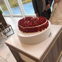 苺のハートのケーキ