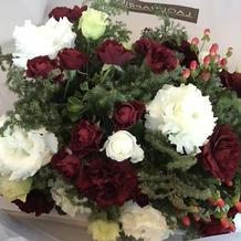 メインテーブルに飾ったお花の一部です。