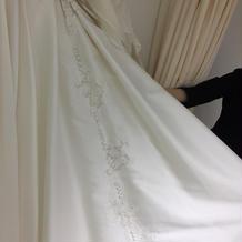 あるドレスの後ろレース部分。