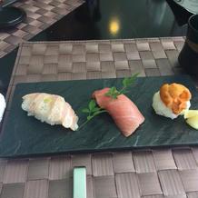 マグロ、トロ、ウニのお寿司