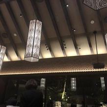 照明、灯篭は和風で気に入りました