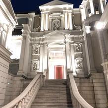 外の大階段