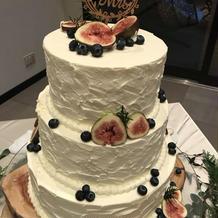 オシャレなウェディングケーキ