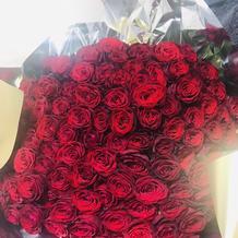 サプライズでもらった101本のバラ
