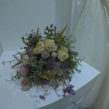 ドレスサロンにある造花のブーケです。
