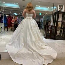 私が着られる白のドレスはこれしか